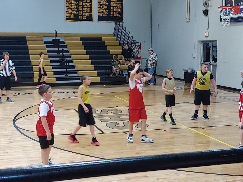 elementary basketball players at Summersville